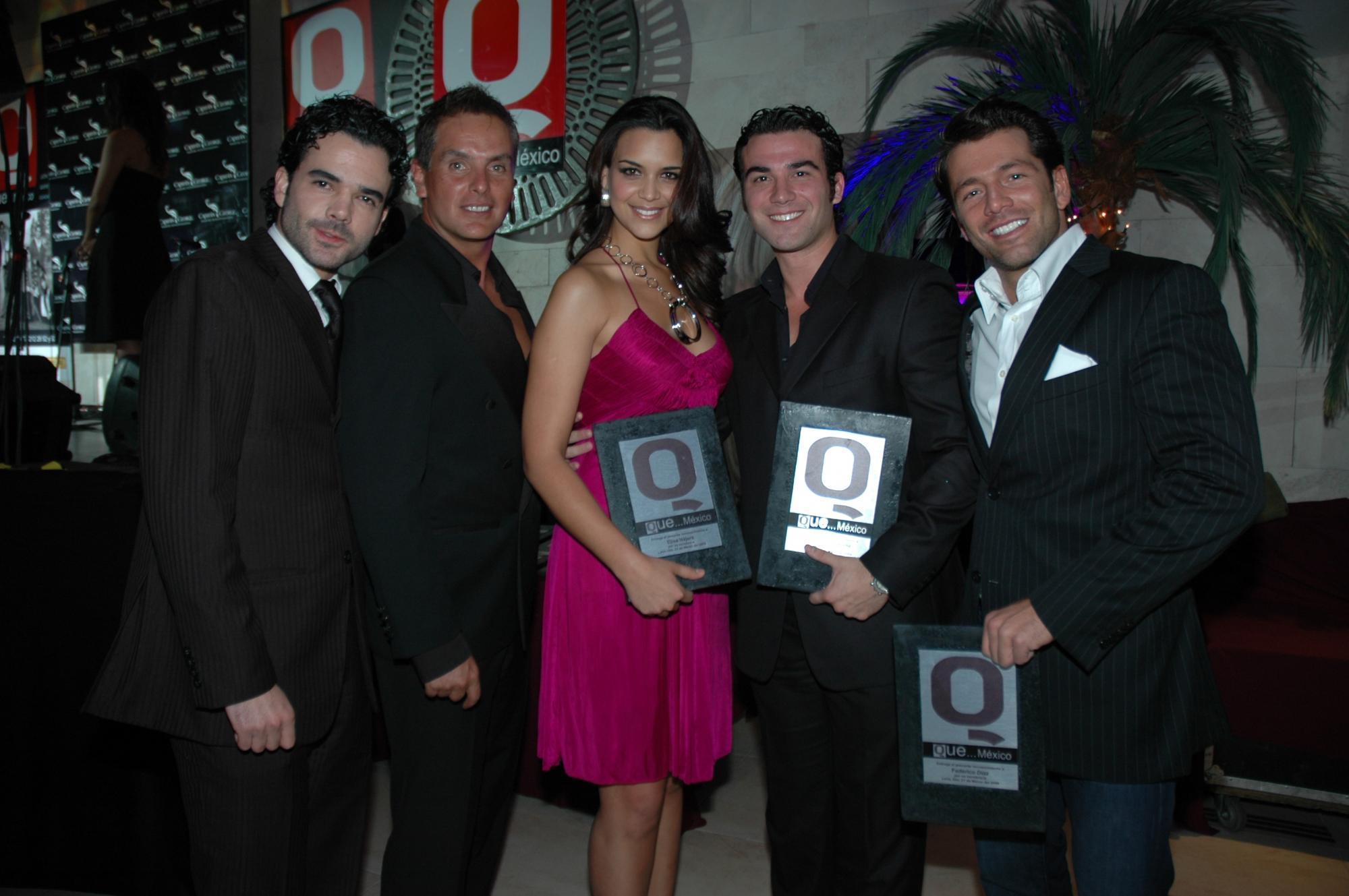 GUAPOS  Jesús More, Xavier Ortiz, Elisa Najera,José Luis Reséndiz y Federico Diaz