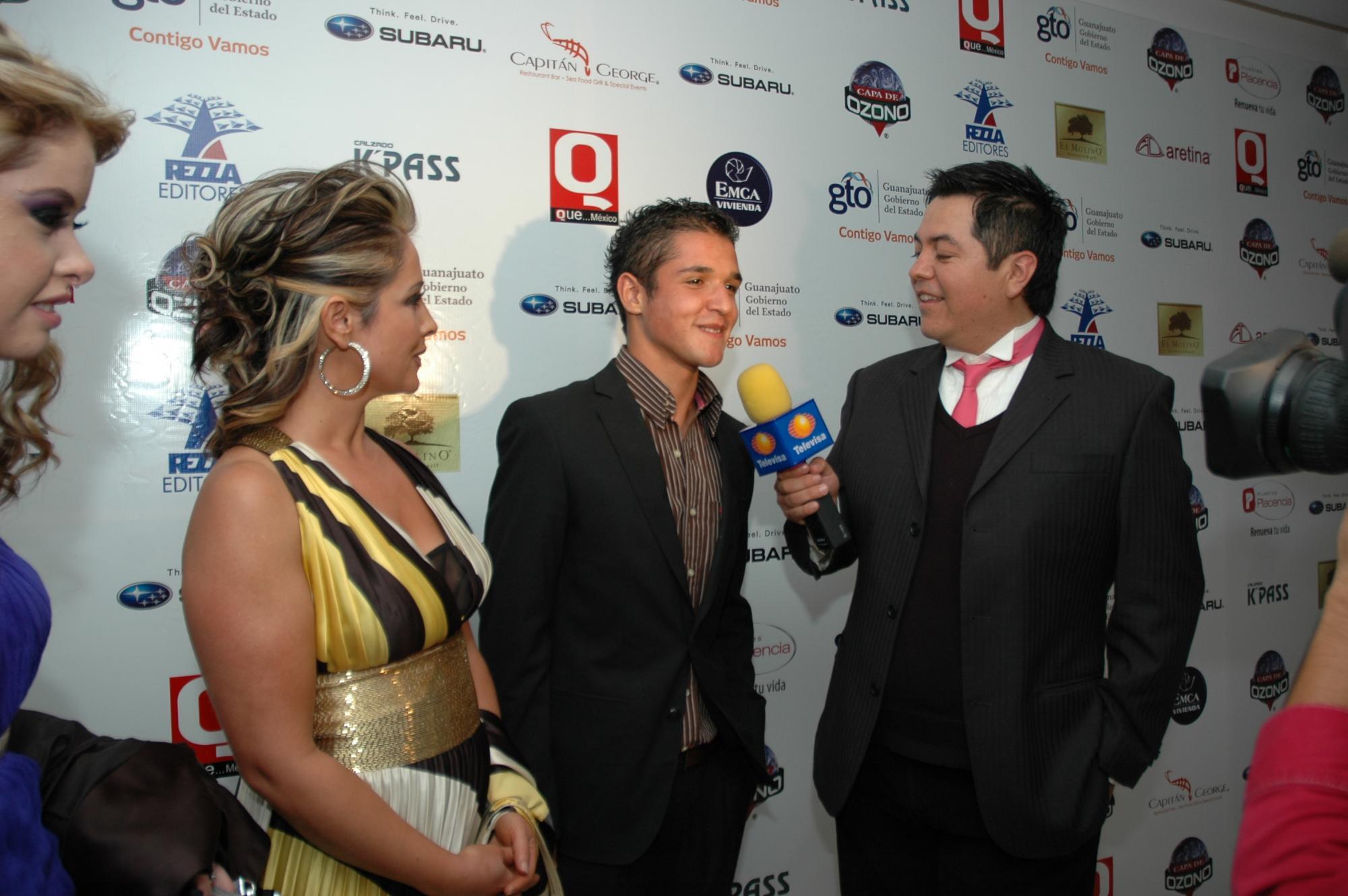COMO ESTRELLAS entrevistaron para Televisa a Marcela García de Aguirre y Gerardo Aguirre