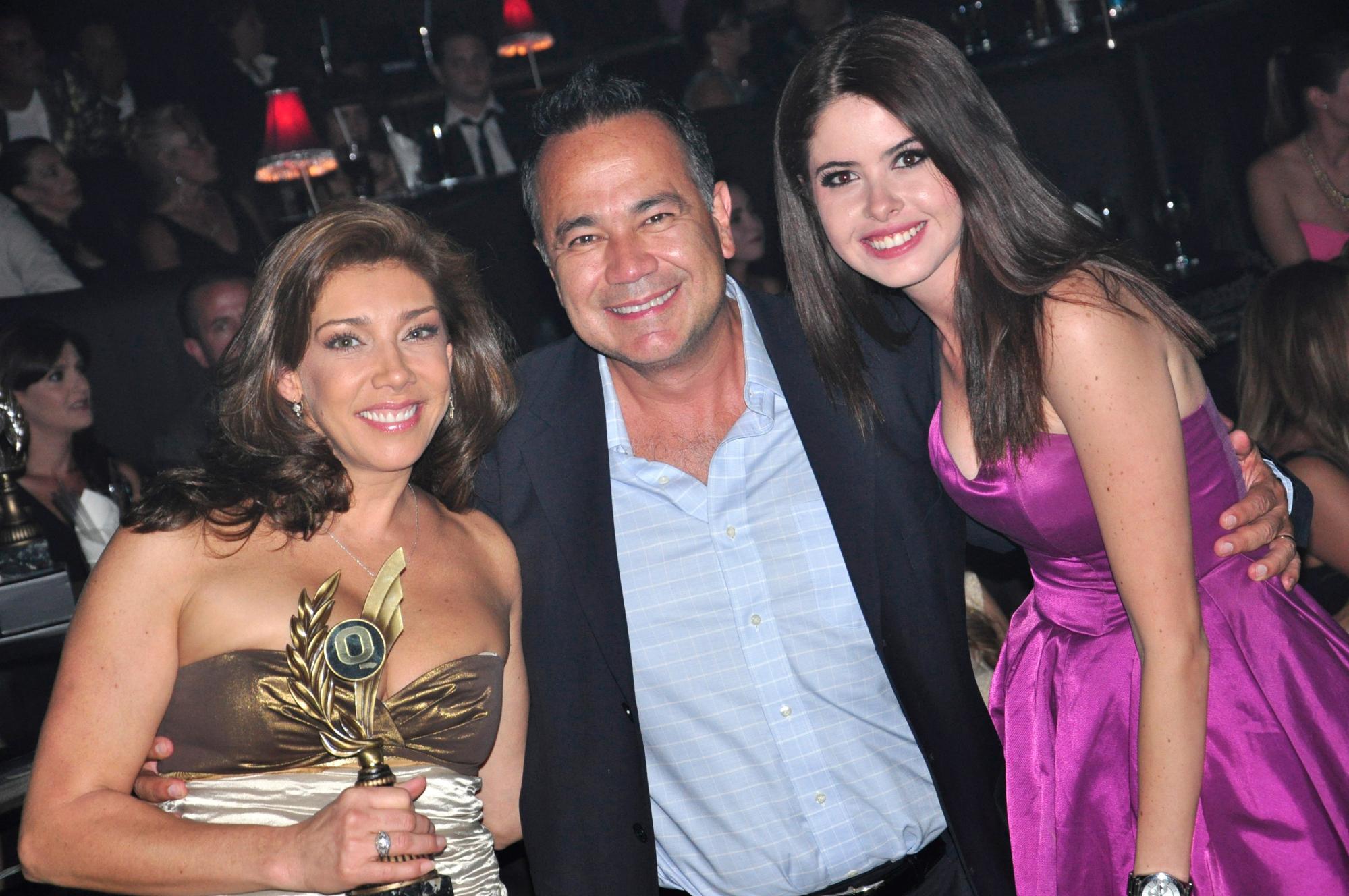 Cynthia Klitbo, Nicandro Díaz y Thalía Aguirre.