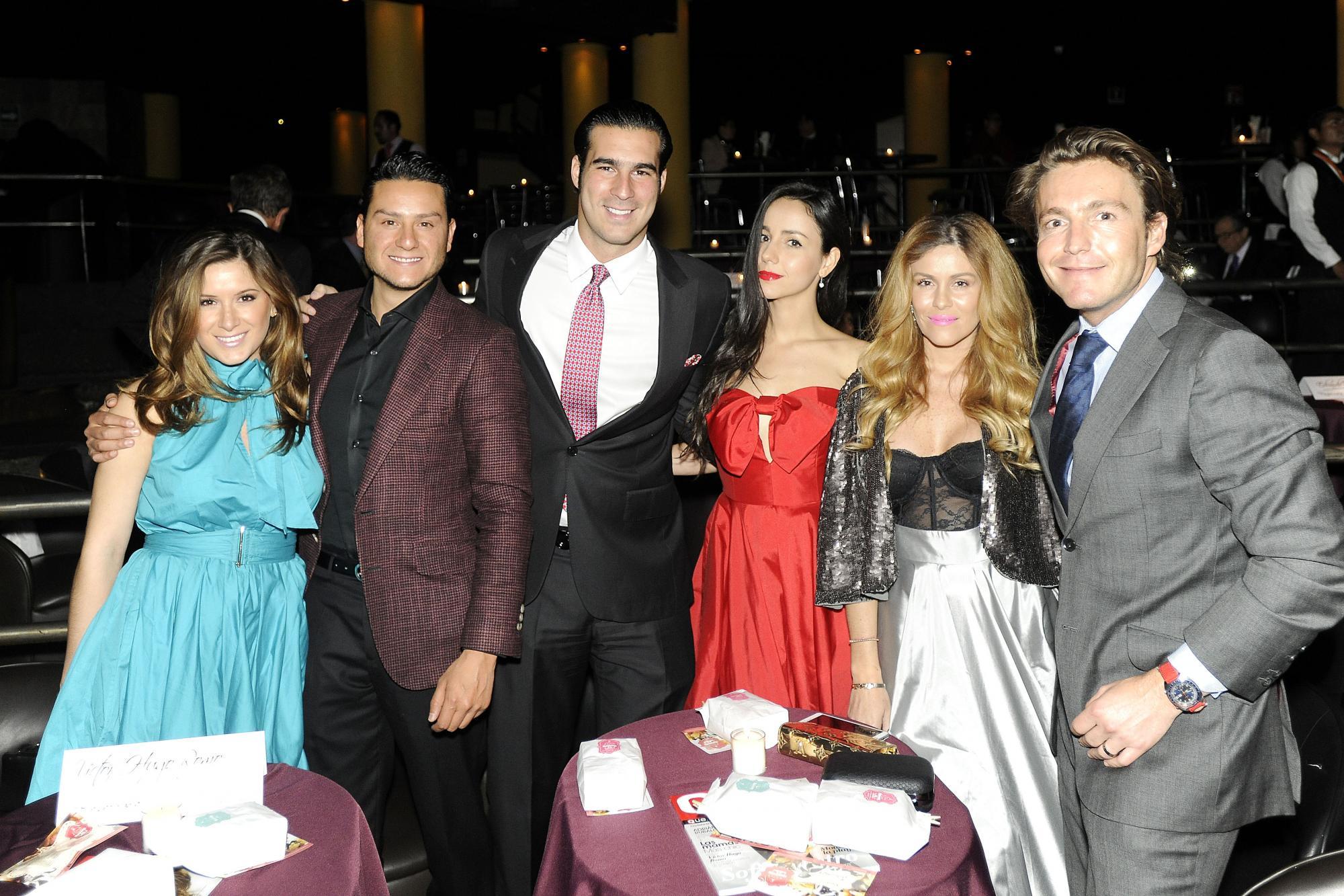 Alfredo Baranda, Miguel Torruco Garza, Chantal Torres, Michelle Torres y Mateo Gorina