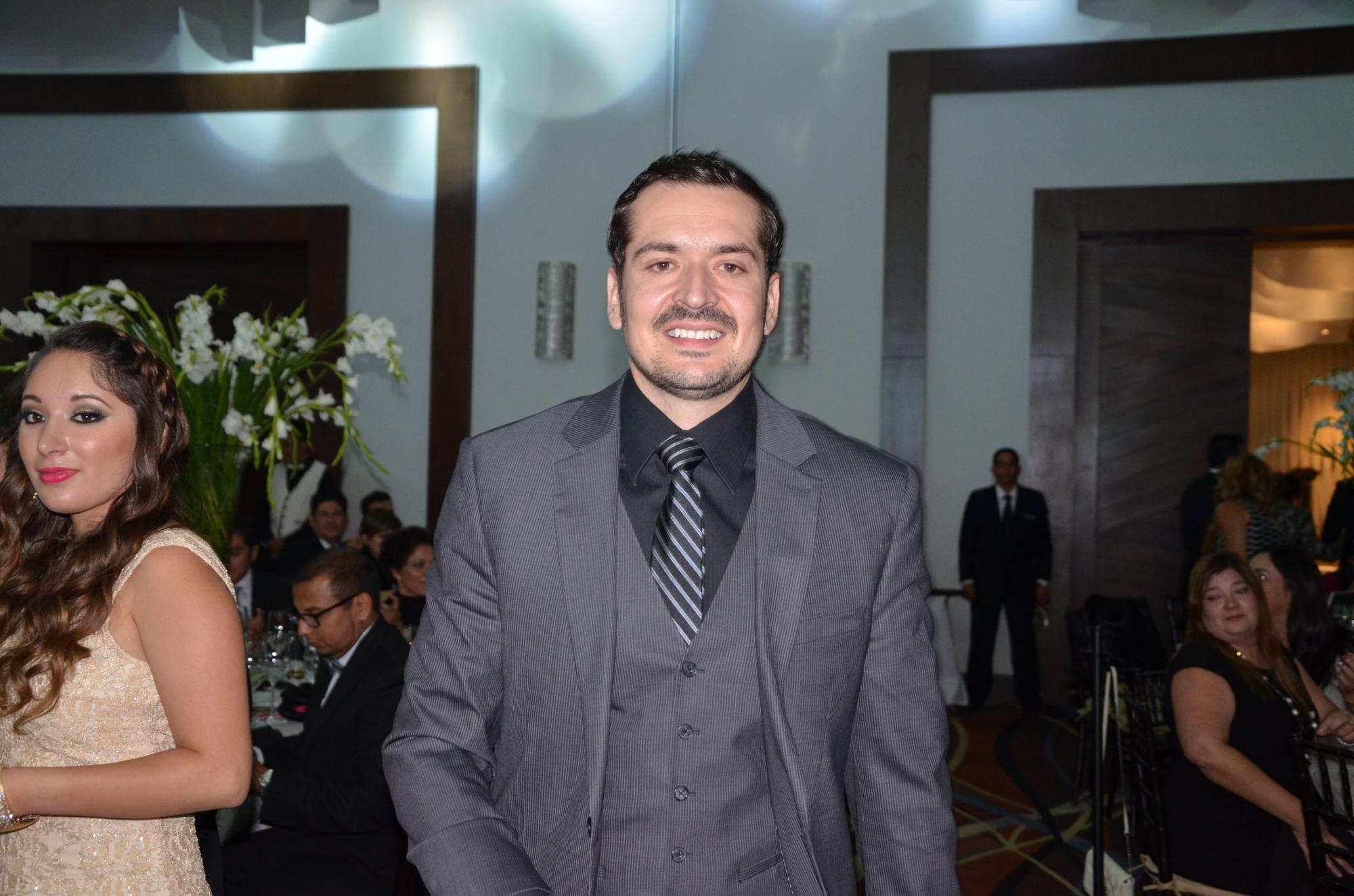 Dr. Gustavo Jiménez