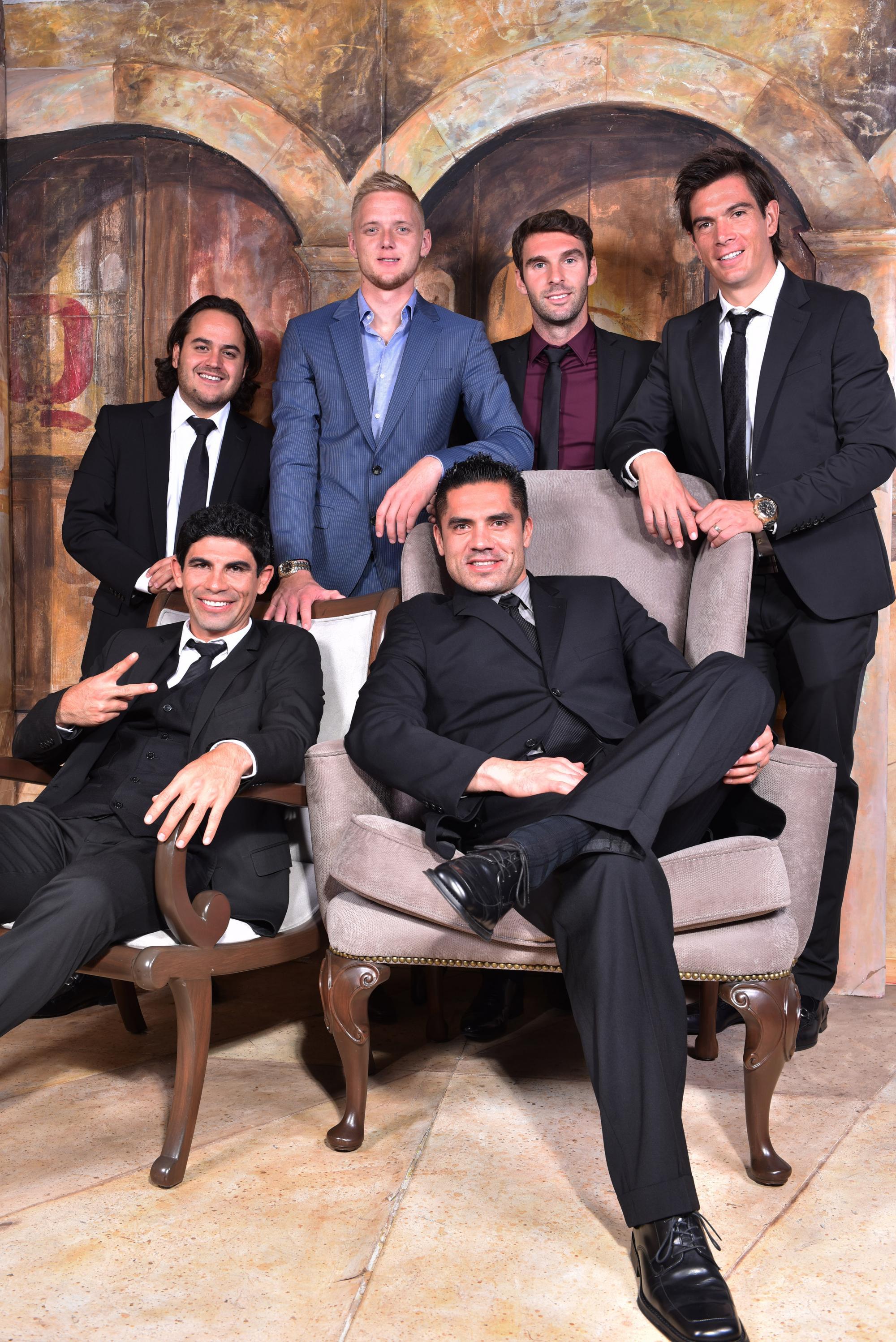 Jugadores del equipo León y su presidente Jesús Martínez