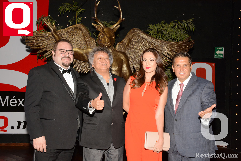 Eduardo Manzano, Jorge Falcón, Nora Salinas y Rodrigo  Aguirre Morales en los Premios Q