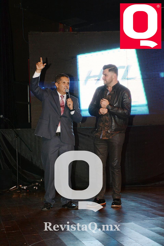 El editor de Q con  Paul Stanley en los Premios Q