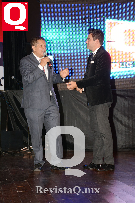 Jerry Aguirre y Mauricio Barcelata en los Premios Q