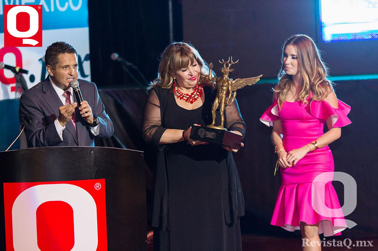 Magda Rodríguez recibe el Premio de la Revista Q