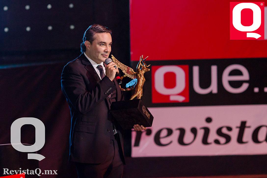 Raúl Orvañanos y Nora Salinas en los Premios de la Revista Q