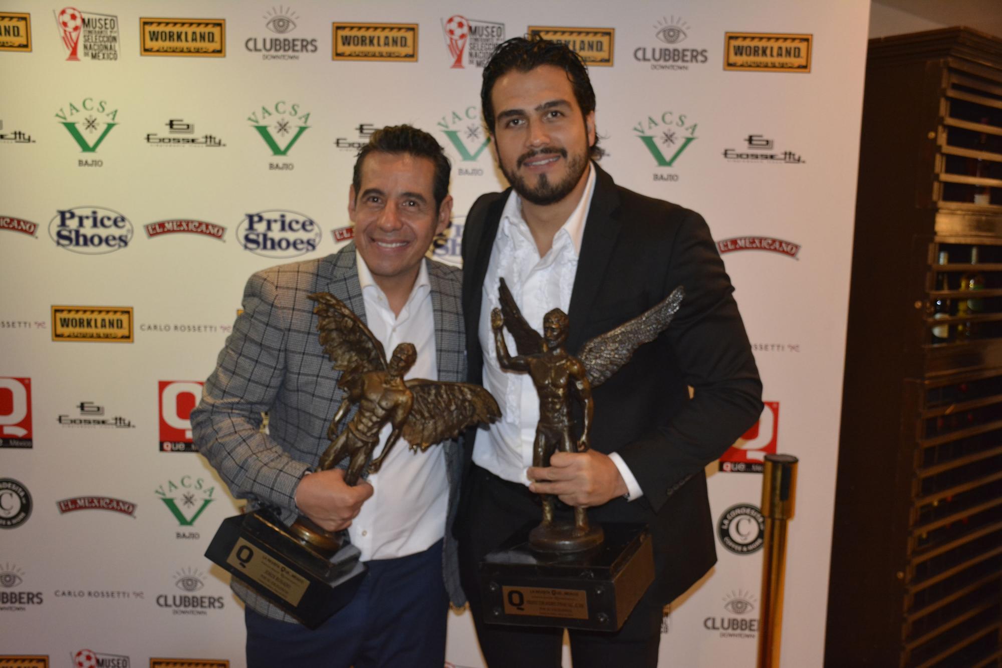 El simpático conductor Yordi Rosado con el productor Andrés Tovar