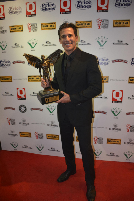 Jorge Aravena fue uno de los artistas premiados de la noche
