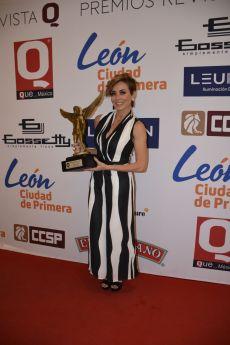 Carmen Muñoz  conductora de Televisión