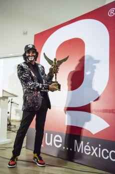 Cepillín Galardonado con el premio de la Revista Q por sus 49 años de  trayectoria